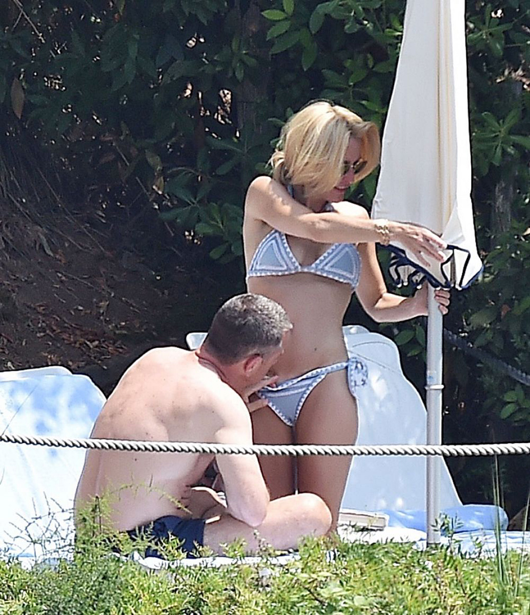 Gillian Anderson Nude LEAKED Photos And Topless Sex Scenes 53