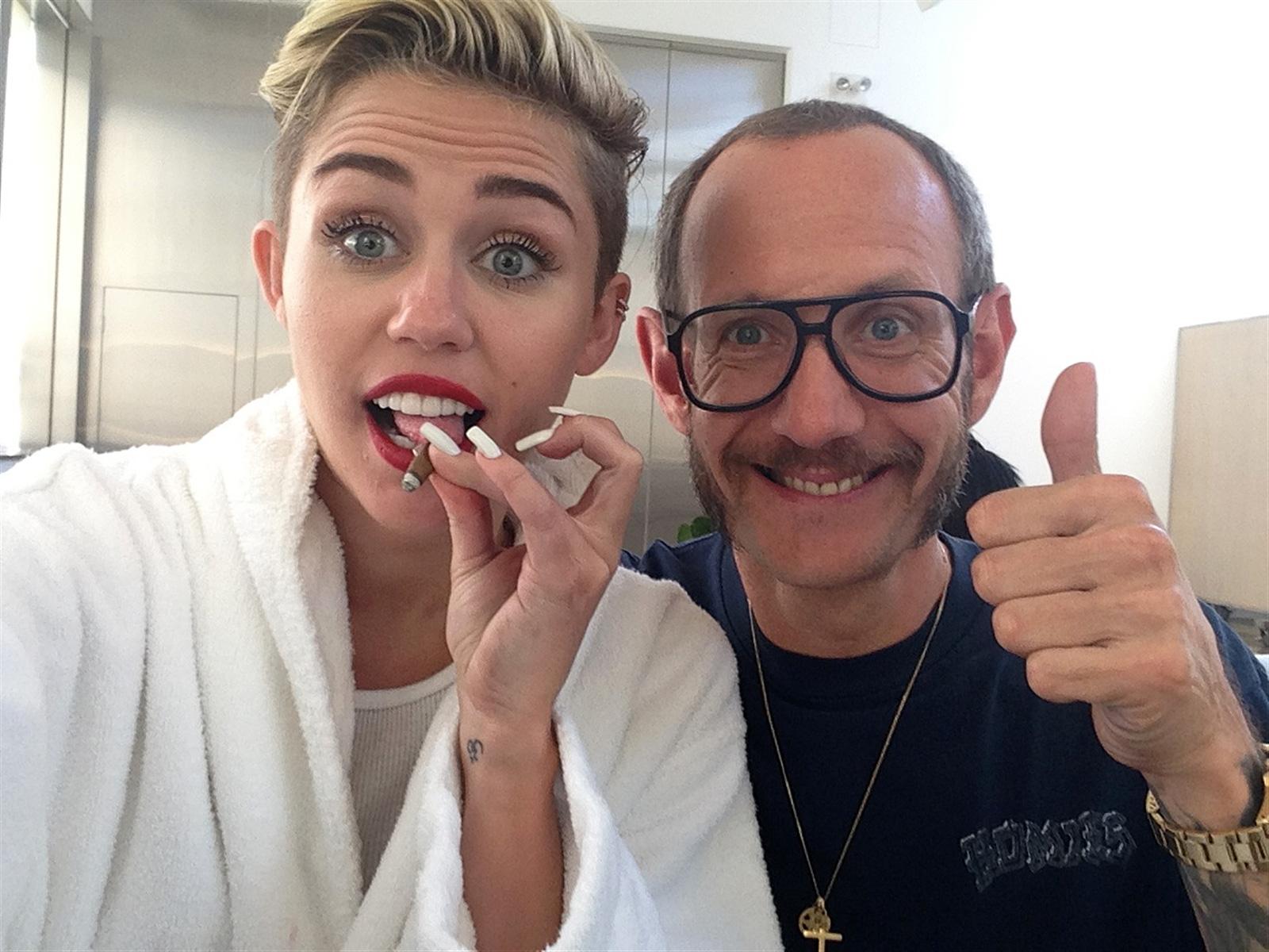 Miley cirus nude scandal frank