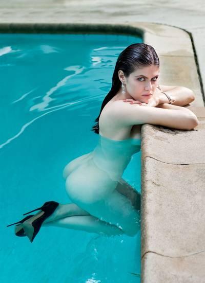 Alexandra Daddario NUDE Pics and Topless Sex Scenes 101