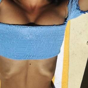 14-Emily-Ratajkowski-bikini