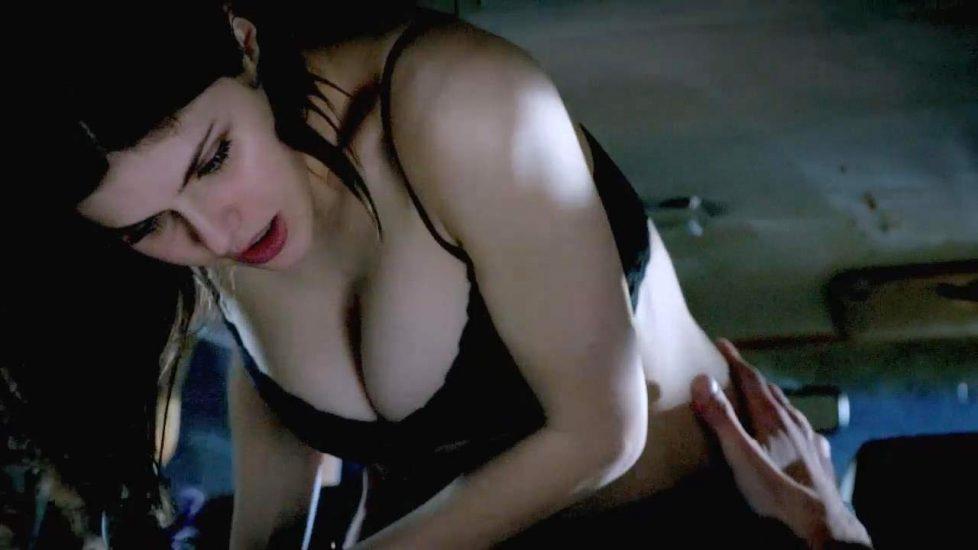 Alexandra Daddario NUDE Pics and Topless Sex Scenes 34