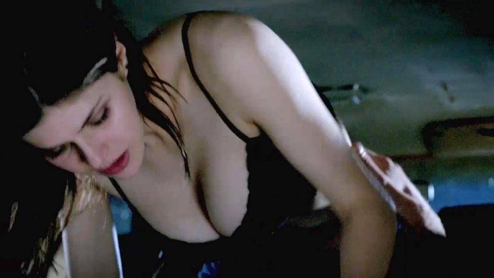 Alexandra Daddario NUDE Pics and Topless Sex Scenes 36