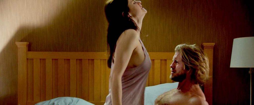 Alexandra Daddarioboobs bouncing in sex scene