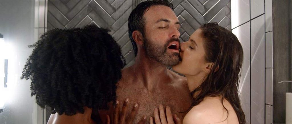 Alexandra Daddario NUDE Pics and Topless Sex Scenes 30