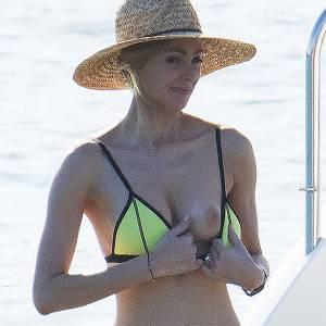 Jennifer Hawkins Nude Tits On The Beach