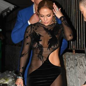 01-Jennifer-Lopez-See-Through