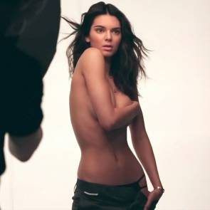 05-Kendall-Jenner-Nude