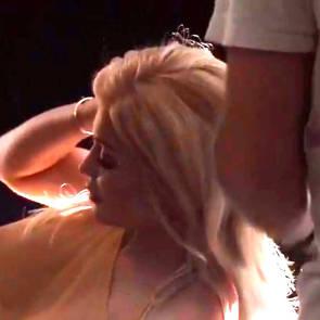 07-Kylie-Jenner-Selfie
