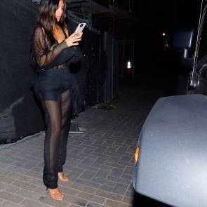 08-Kim-Kardashian-See-Throu