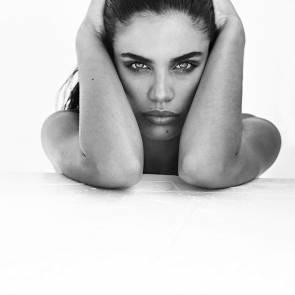 10-Sara-Sampaio-Topless