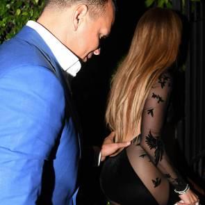 12-Jennifer-Lopez-See-Through