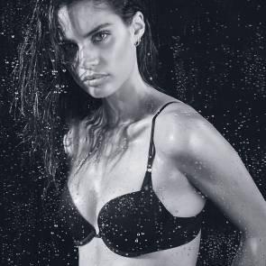 12-Sara-Sampaio-Topless
