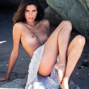 13-Sara-Sampaio-Topless