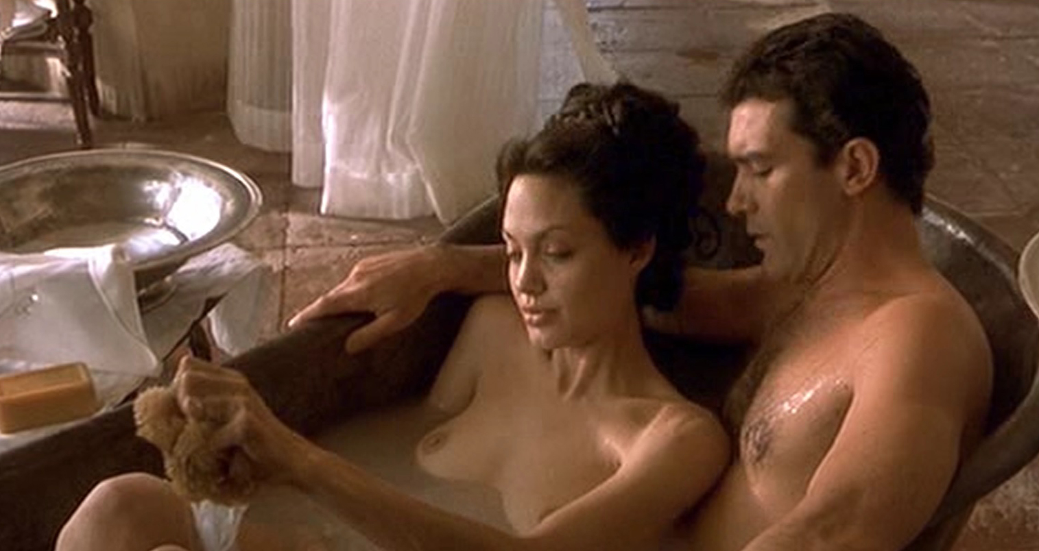 Angelina Jolie Sin Sex Scene angelina jolie nude sex scene in original sin movie - free video