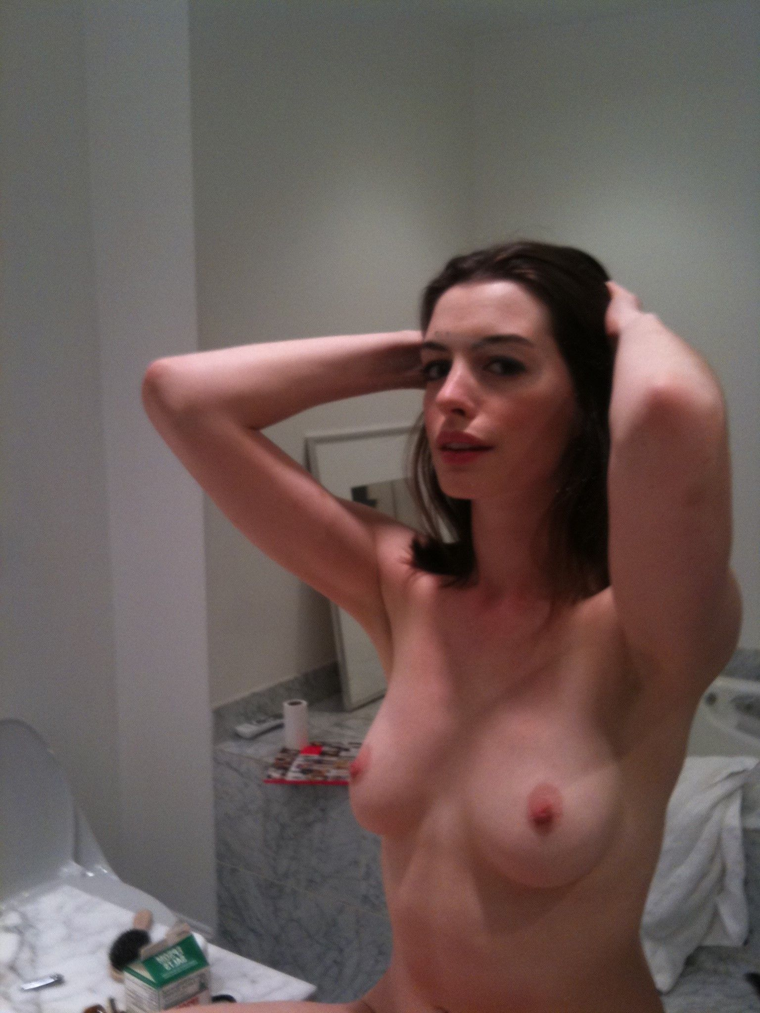 100 Pictures of Amy Hathaway Nude