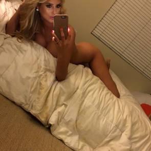 01-Emma-Hernan-Nude
