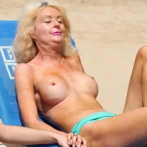 01-Lauren-Harries-nude