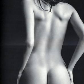 01-Sara-Sampaio-Nude-Topless