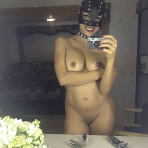 02-Rosario-Dawson-nude-leaked