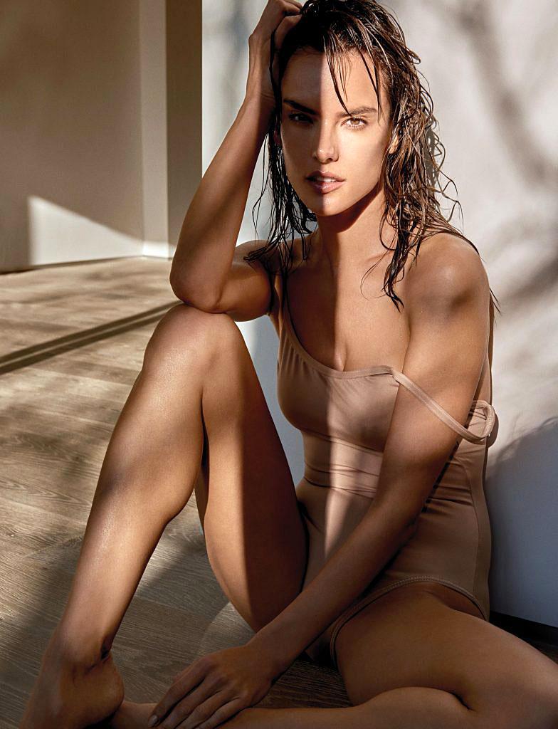 Alessandra Ambrosio Nude  Sexy Hq Pics - Scandal Planet-1898