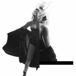 04-Fergie-hot