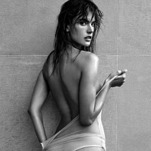 07-Alessandra-Ambrosio-Nude-Sexy