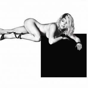 07-Fergie-Nude-Sexy