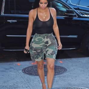 07-Kim-Kardashian-Braless