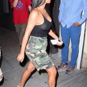 08-Kim-Kardashian-Braless