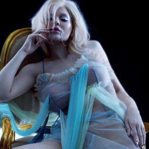 Kylie Jenner tits
