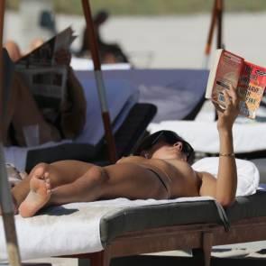 09-Lucinda-Aragon-Topless