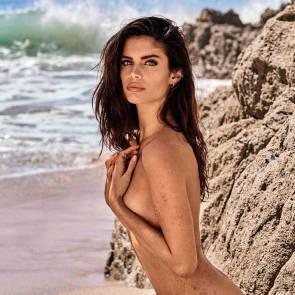 13-Sara-Sampaio-Nude-Topless