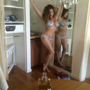 21-Kelly-Brook-Nude-Sexy