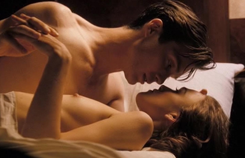 keira-knightley-the-edge-of-love-sex-scene