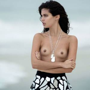 Sara Sampaio Nudes & Topless Collection
