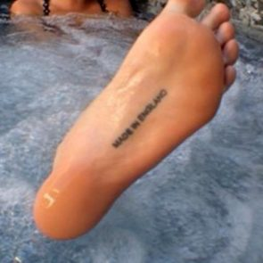 Cara Delevingne Nude LEAKED Pics & Topless Sex Scenes 27