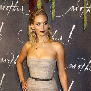 01-Jennifer-Lawrence-Sexy-Paris