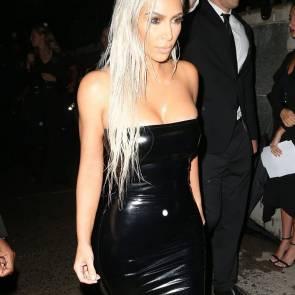 01-Kim-Kardashian-Sexy