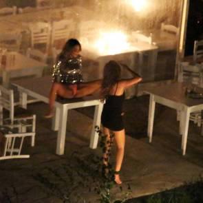 01-Nicole-Scherzinger-Upskirt