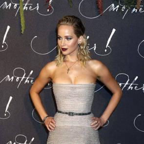02-Jennifer-Lawrence-Sexy-Paris