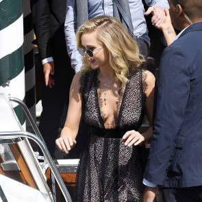 02-Jennifer-Lawrence-Sexy-Venice