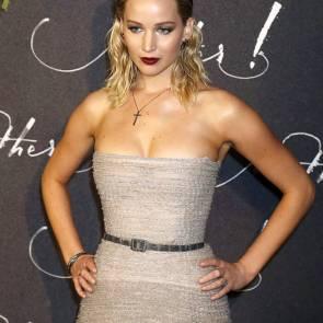 03-Jennifer-Lawrence-Sexy-Paris