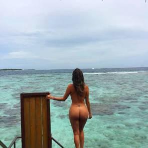 03-Liziane-Gutierrez-Naked