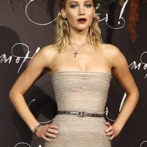 04-Jennifer-Lawrence-Sexy-Paris