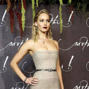 05-Jennifer-Lawrence-Sexy-Paris