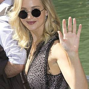 06-Jennifer-Lawrence-Sexy-Venice