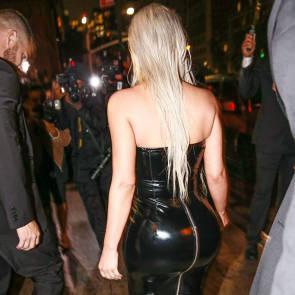 06-Kim-Kardashian-Sexy
