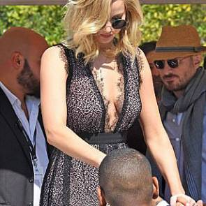 07-Jennifer-Lawrence-Sexy-Venice