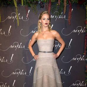 08-Jennifer-Lawrence-Sexy-Paris