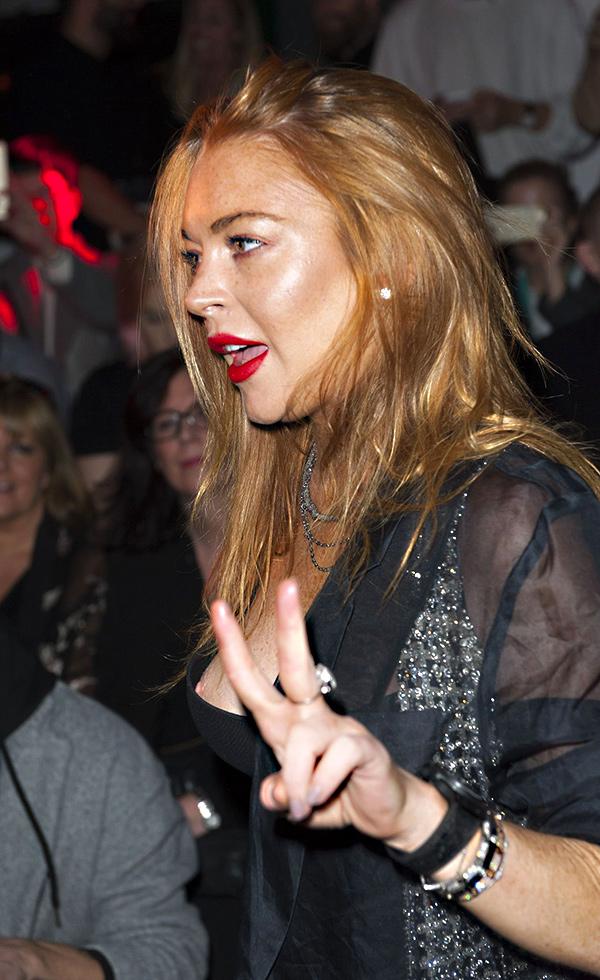 08-Lindsay-Lohan-Nipple-Slip